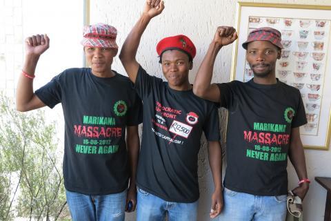 Arbeidere som overlevde massakren i Marikana. Foto: Christina Johnsen/Norsk Folkehjelp