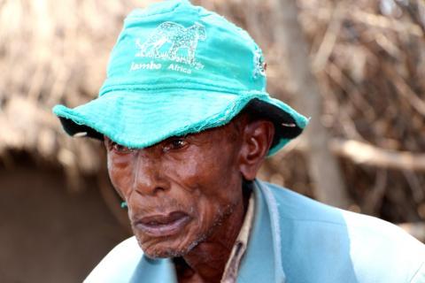 Mkami Nkoba mistet sønnen sin ved gruven 23. september i fjor. I dag lever familien i den dypeste fattigdom. Foto: Kenneth Lia Solberg