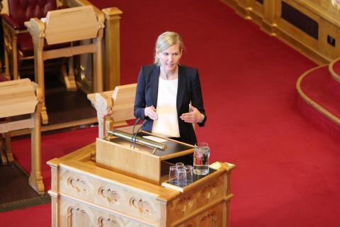 Marianne Marthinsen (Ap) har fått gjennomslag for forslaget hun fremmet sammen med KrF. Bildet er fra Stortingsdebatten fredag 5. juni. Foto: Christine Amdam