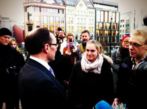 URO is Plan Norway´s youth group, here they meet Espen Barth Eide
