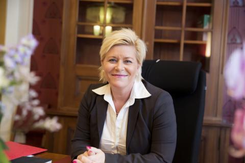 Finansminister Siv Jensen har ikke oversikt over hvilke selskaper som skal rapportere land-for-land. Foto: Finansdepartementet