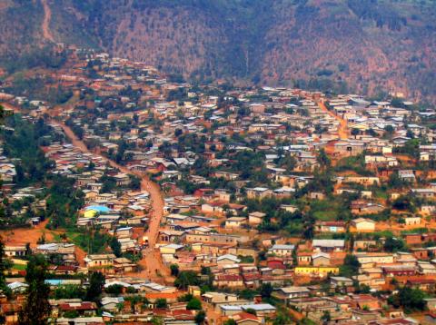 Utvinningsindustrien i Rwanda er stadig voksende. Her er utsikt over hovedstaden Kigali. Foto: Oledoe/flickr.com