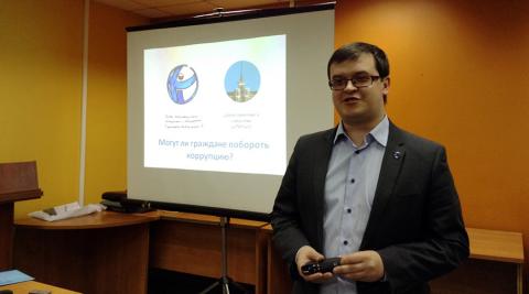 Stanislav Andreychuk er leder av Transparency International Russland sin avdeling i Sibir og var nettopp på besøk i Norge. Foto: Transparency International Russland